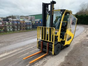 HYSTER H1.8 FLT (gas) **CHOICE OF THREE** Image